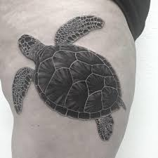 татуировка черепахи на бедре девушки фото рисунки эскизы