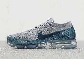 nike vapormax mens. the nike vapormax appears to be anticipating winter with two new \u201cice flash\u201d colorways coming your way in early november. one colorway each for men (seen vapormax mens
