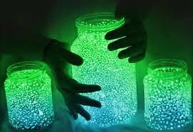 Easy Crafts for Kids to Make in Summertime - DIY Mason Jar Fairy Lights -  DIY