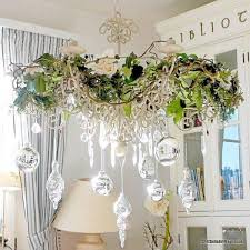 17 gorgeous chandelier for a yuletide home decor 4