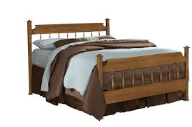 Carolina Furniture Creek Side Queen Spindle Bed in Autumn Oak