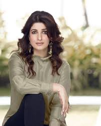 Twinkle Khanna Fashion Designing Institute In Pune Twinkle Khanna Net Worth Biograpgy Wiki Life Style Career