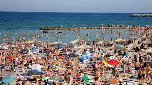 Cel mai aglomerat weekend pe litoralul românesc. Unde trebuie să mergi ca să eviți îngrămădeala