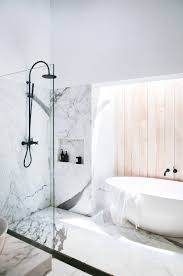 emily henderson design trends 2018 bathroom freestanding bath 03