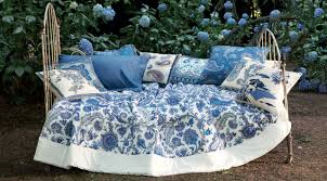 Top  Manufacturers Of Luxury Home Textiles L Essenziale - Top bedroom furniture manufacturers