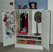 american doll armoire armoire pour poupes et american girl fr bedroom furniture sets with armoire