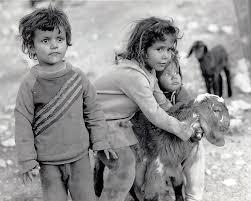 Resultado de imagen para niños armados tristeza