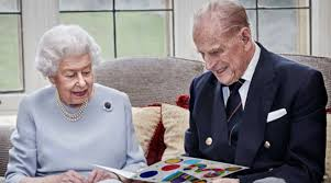 Queen elizabeth ii and prince philip's romance began on a perfectly gray and rainy english afternoon, in july 1939. Queen Elizabeth Ii And Prince Philip Mark 73rd Wedding Anniversary With New Portrait Lifestyle News The Indian Express