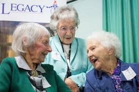 Doreen Hodgman (left), Dot Shields, and Effie Matthews (right) all  celebrate their 100th birthday this year. - ABC News (Australian  Broadcasting Corporation)