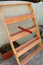 Die drei einzelteile jeweils zusammenbauen. Pflanztreppe Fur Balkon Oder Terrasse Bauen Vertical Gardening 7 Muhvie De Garten Balkon Genuss