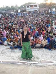 Die Realität verändern. Bárbara Santos und der Raum KURINGA - Barbara%20Santos%20India