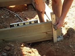 building concrete form leveling the concrete mold