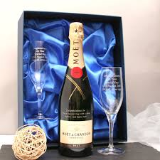 personalised moet chagne gift set with end chagne flutes gifts4u