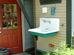 outdoor garden sink. outdoor sink for washing veggies or homebrew equipment. garden r