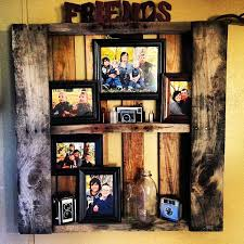 showcase family photos in a wooden pallet