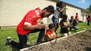 the kansas city chiefs wide receivers joined kansas city community gardens kccg at stony