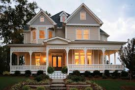 Victorian Style House Plan - 4 Beds 3.50 Baths 2772 Sq/Ft Plan #410