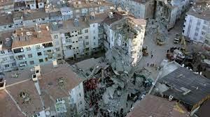แผ่นดินไหว 6.7 เขย่าตุรกี ตึกถล่ม 10 หลังดับแล้ว 22 เจ็บนับพัน