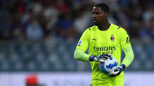 Mike Maignan (AC Milan) to have wrist surgery on Wednesday and could miss a  month