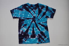 t shirt tie dyed with a two color spiral pattern