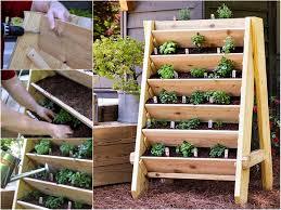 diy vertical pallet planter for the garden