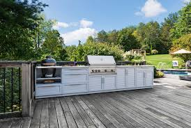 featured image of 16 outdoor kitchens that will blow you away