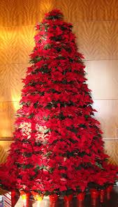 Poinsettia Christmas Tree Lights Uk Pretty Poinsettia Christmas Tree Christmas Poinsettia