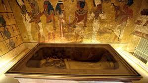 The burial of, nefertiti?