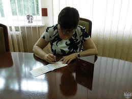 Министром образования и науки ДНР Ларисой Поляковой подписан  dscf8037