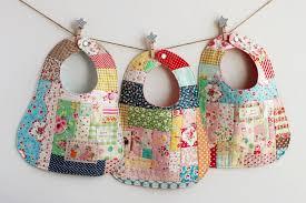 the classic pretty little Baby Bib Pattern   DIY - nanaCompany & B_4111p Adamdwight.com