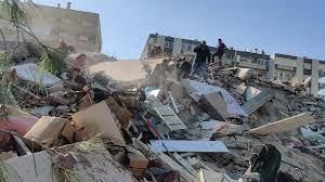 İzmir'de 6.8'lik deprem: 5 bina yıkıldı, 4 ölü var, balıkçılardan haber  yok...
