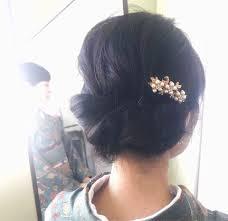 髪型の簡単なアレンジ法ミディアムセミロングのカジュアルでかわいい