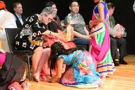 Snapshot: Hindu students honor teachers • Current Publishing