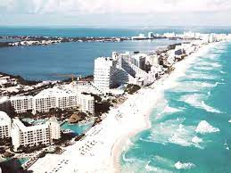 is it safe to travel to cancun