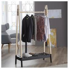 Stabiler Kleiderständer Aus Holz Preiswert Kaufen Dänisches