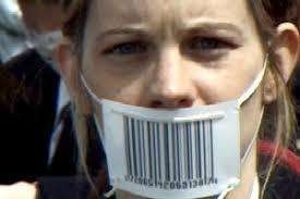 """The Corporation"", di Mark Achbar e Jennifer Abbott - 20041025064518762"