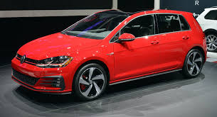 2018 volkswagen alltrack. beautiful 2018 2018 vw golf facelift family including alltrack gti and r debut in new  york on volkswagen alltrack e