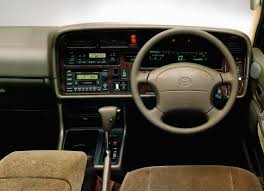 Toyota Hiace 2.0 i(110 Hp) technical specifications and fuel economy ...
