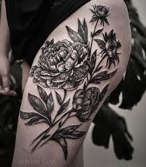 черная тату цветы череп на ногу спину голову руку для девушек