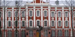 В СПбГУ прошла первая в России защита диссертации по собственным  В СПбГУ прошла первая в России защита диссертации по собственным правилам вуза