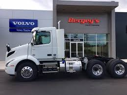 2018 volvo day cab. simple 2018 new 2018 volvo vnr64t300 tandem axle daycab truck 70042 on volvo day cab r