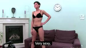 Girl on casting sex