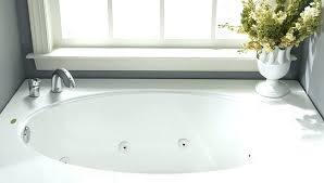 replace bathtub caulk new replacing bathtub caulk caulking around bathtub caulking bathroom