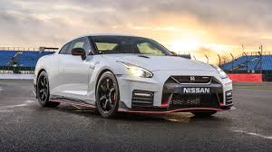 Nissan GT-R Nismo (2017) review by CAR Magazine