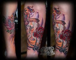 татуировка песочные часы розы и крест тату салон юрец удалец