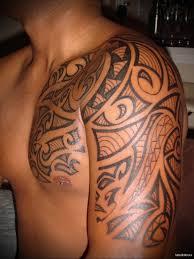 узоры в тату мужская татуировка на плече Tatufotocom