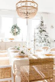 how to decorate dining table when not
