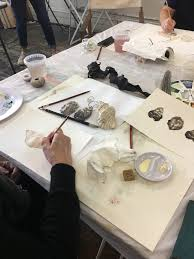 we offer a wide and ever growing range of art classes and works for all