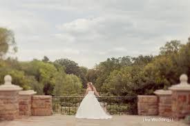 bridal photos at the fort worth botanical gardens dallas wedding photographer by ivy weddings