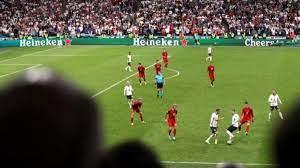 İngiltere-Danimarka maçındaki 161 saniyelik pas trafiği Avrupa Şampiyonası  tarihine geçti
